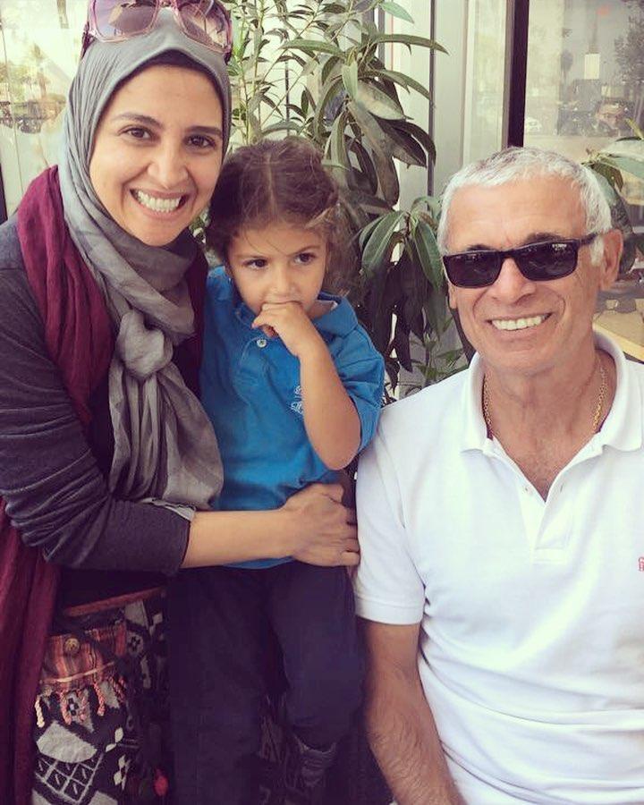 حنان-مع-ابنتها-مريم-و-كوبر