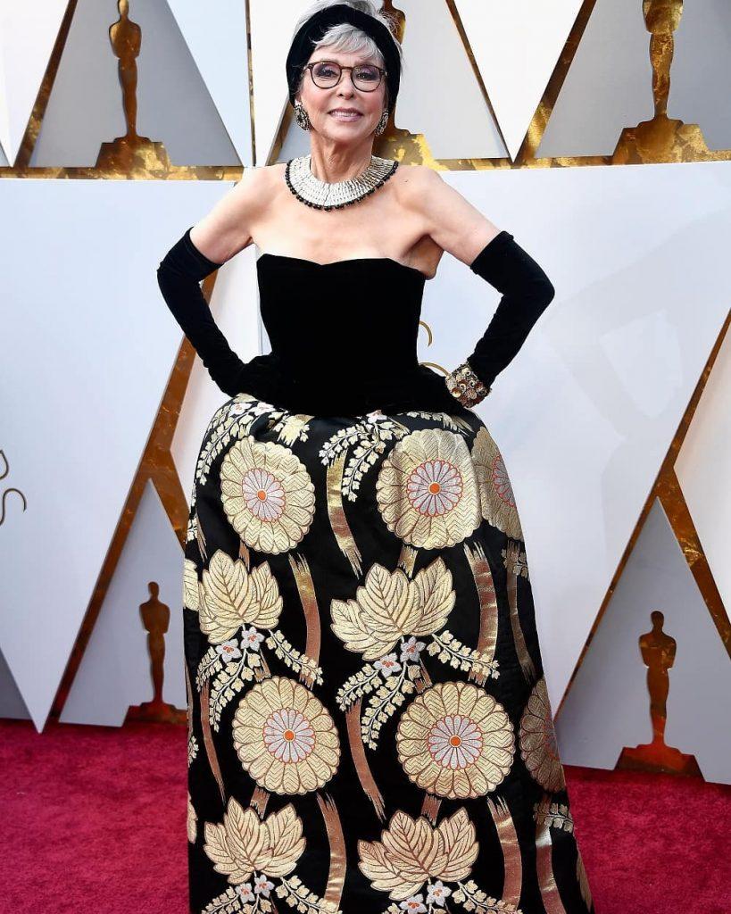 ريتا-مورينو-بفستانها-القديم