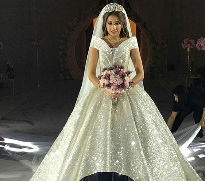 فرح-خلال-زفافها