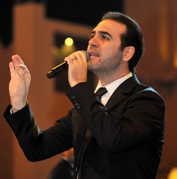 وائل-يغني-على-المسرح