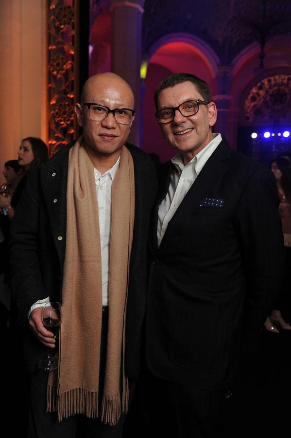 إيان غريفيث مع الفنان الصيني