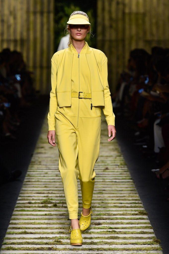 بدلة-صفراء-من-ماكس-مارا