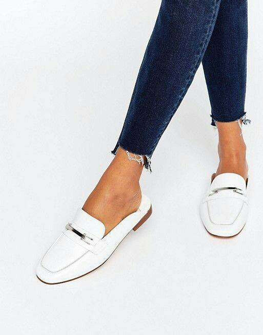 حذاء-ابيض
