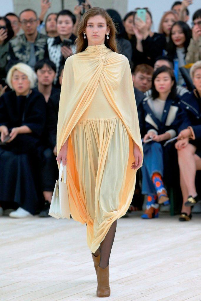 فستان-اصفر-من-سيلين