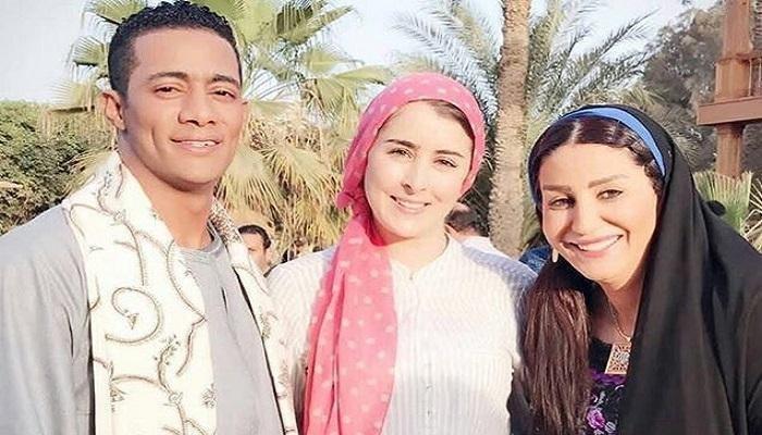 محمد-مع-عائشة-بن-احمد-ووفاء-عامر