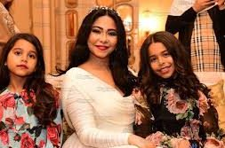 شيرين-وابنتيها-في-زفافها