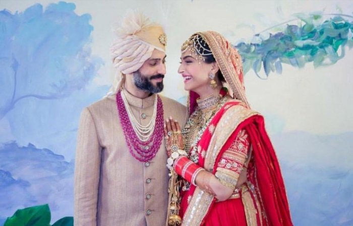 سونام-كابور-واناند-اثناء-مراسم-الزواج
