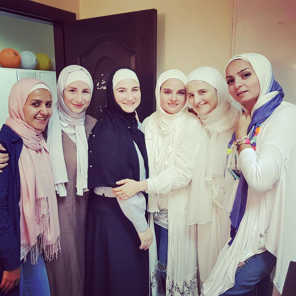 فرحة - صديقات- شيماء- سعيد-بحجابها