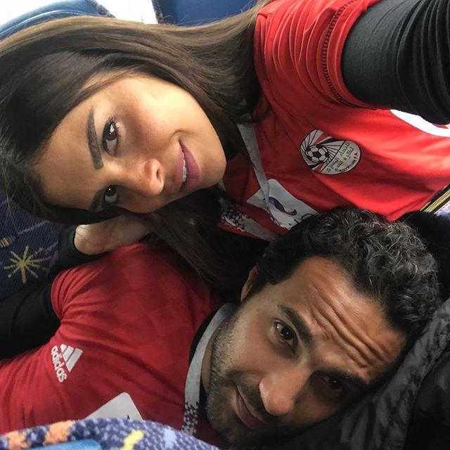 كريم فهمي وزوجته