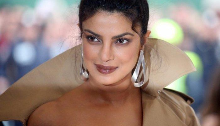 النجمة-الهندية-ملكة-جمال-العالم-عام-2000