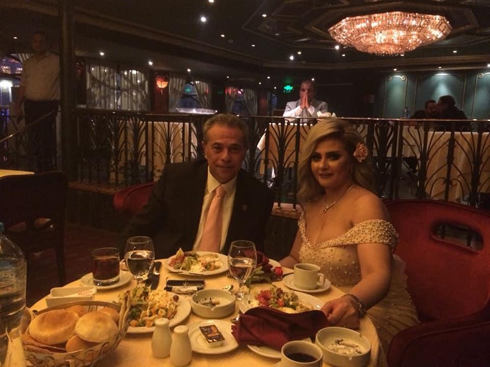 عشاء-خاص-للعروسين