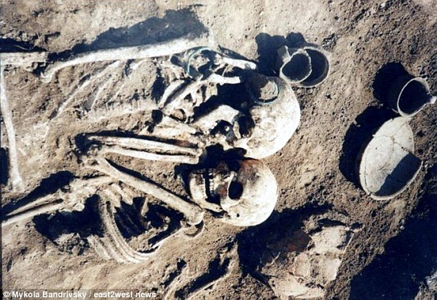 بالصور العثور على أقدم قصة حب في التاريخ