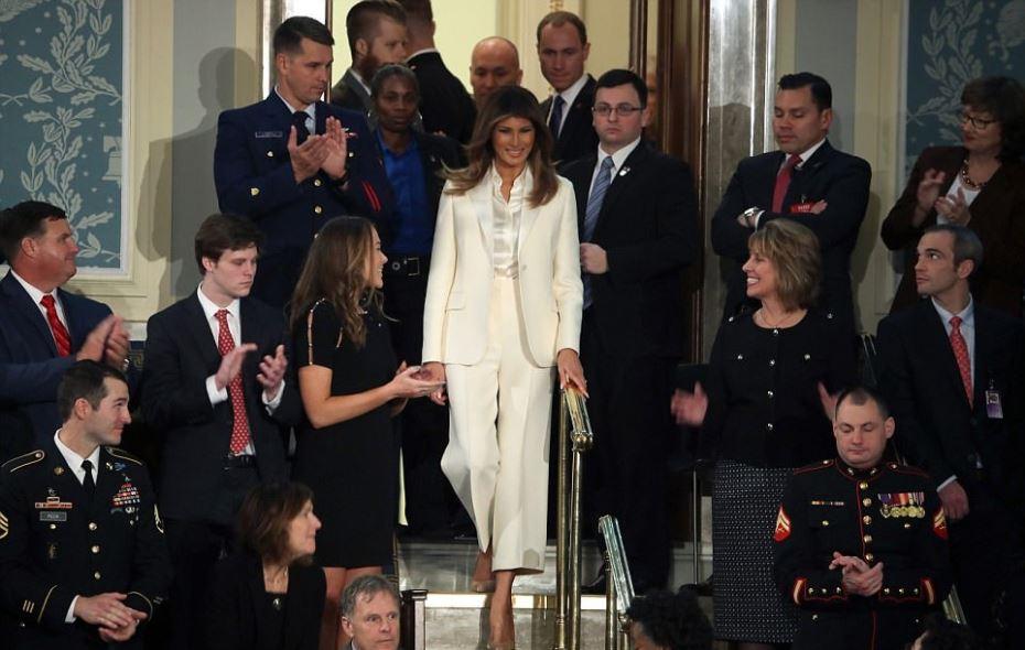 بالصور ترامب يستخدم دوبليرة بديلة لزوجته ميلانيا ترامب