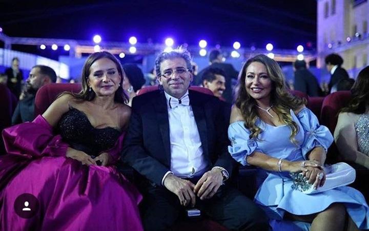 اطلالة-خالد-يوسف-وسط-ليلى-علوي-ونيلي-كريم