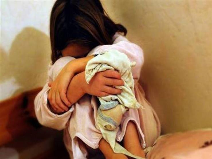 امرأة و3 مراهقين يغتصبون طفلة ثم يعذبونها حتى الموت