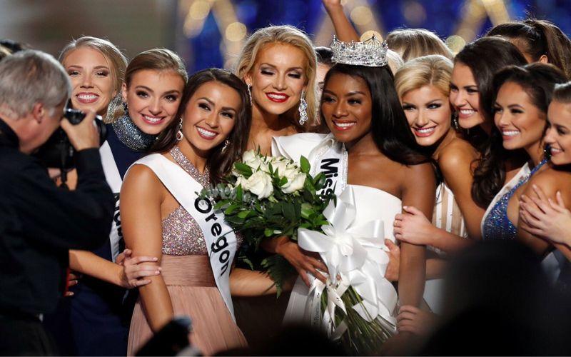 حفل تتويج ملكة جمال أمريكا 2019