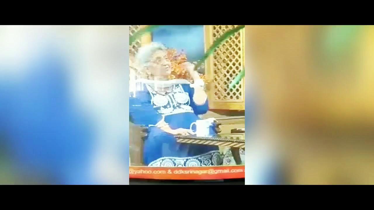 كاتبة هندية مشهورة تلفظ أنفاسها الأخيرة على الهواء مباشرة