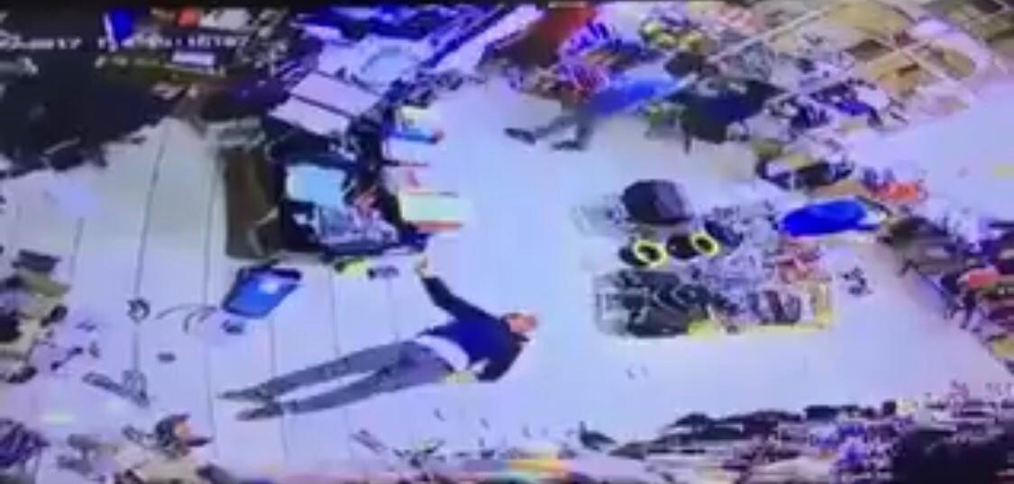 بالفيديو.. الحكم بالسجن على مواطن كويتي قام بالاعتداء على وافد مصري