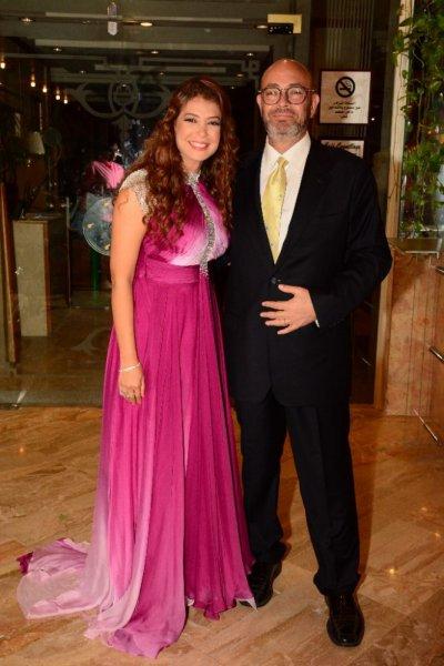 اطلالة-منال-سلامة-مع-زوجها-المخرج-عادل-اديب