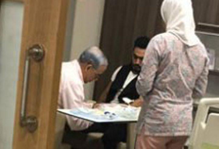 صورة حديثة لتامر حسني في المستشفى