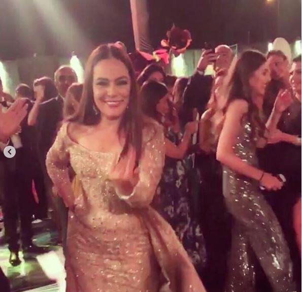 فيديو شريهان ترقص على 3 دقات واغنية ده لواتساب في حفل زفاف