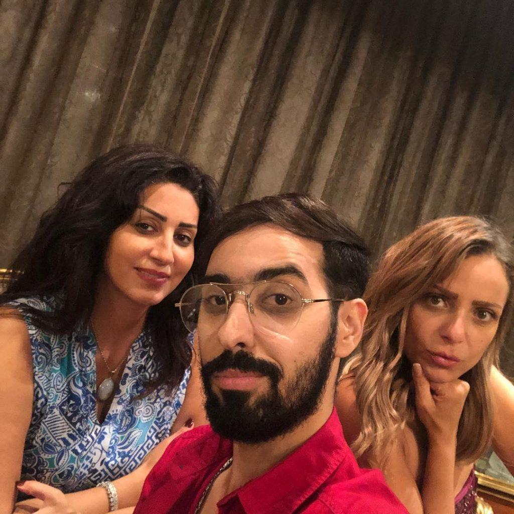 ريم-البارودي-والمصمم-أحمد-عبدالله-في منزل-وفاء-عامر