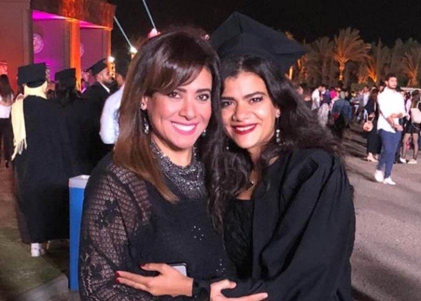 نشوى-مصطفى-تحتفل-بتخرج-ابنتها