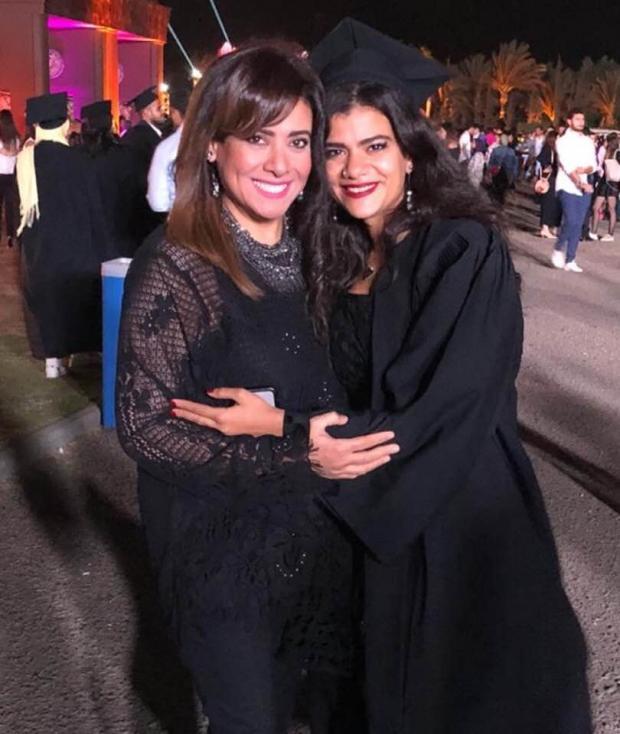 نشوى-مصطفى-مع-ابنتها-مريم