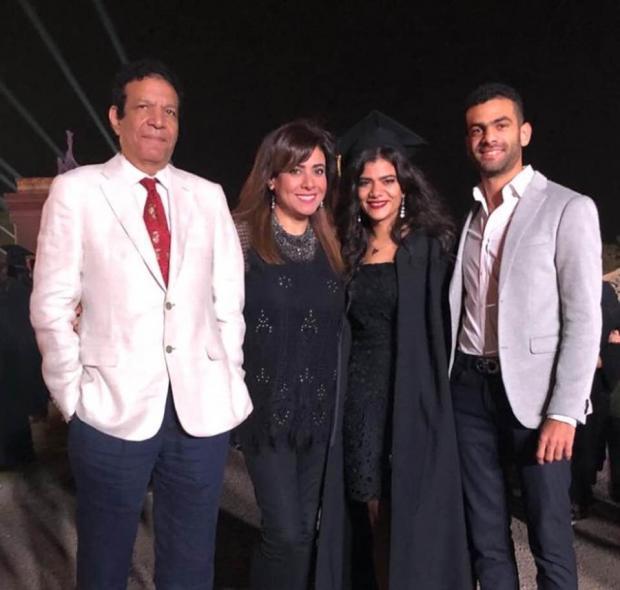 نشوى-مصطفى-مع-زوجها-وابنها-وابنتها