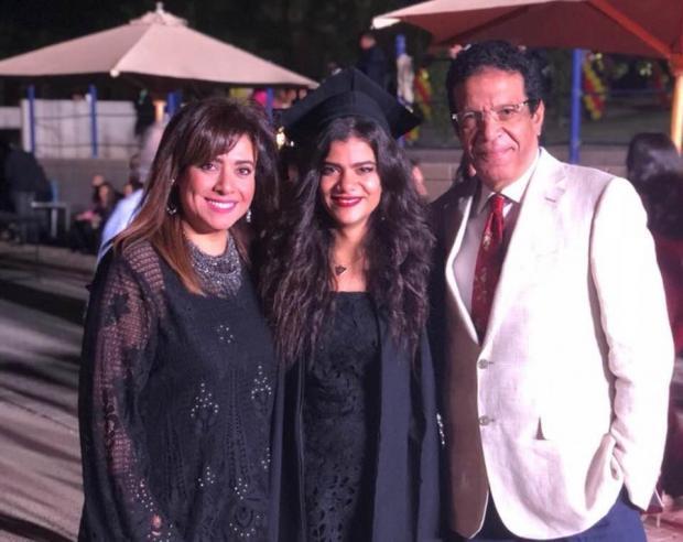 نشوى-مصطفى-وزوجها-وابنتها