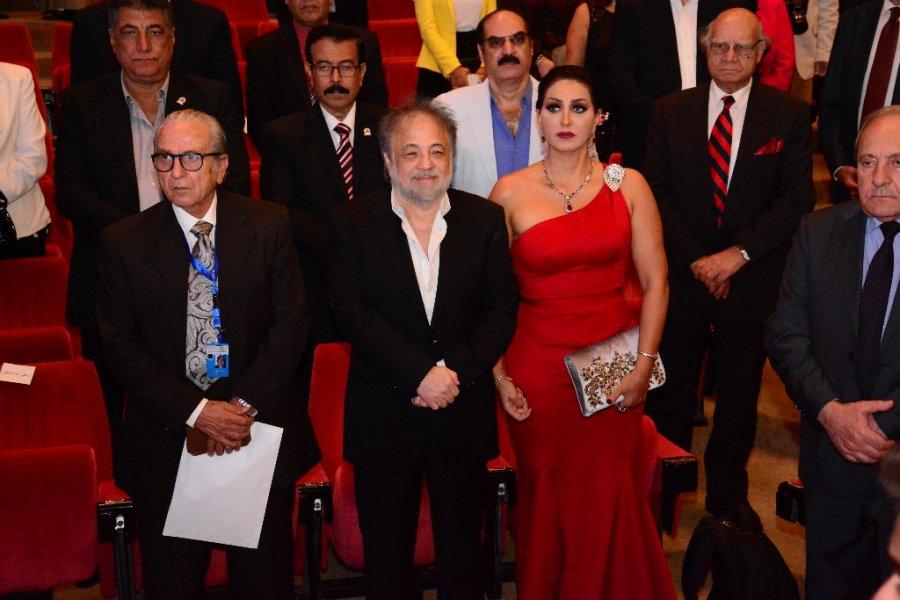 وفاء-عامر-تختار-فستان-احمر-برفقة-زوجها-المنتج-محمد-فوزي