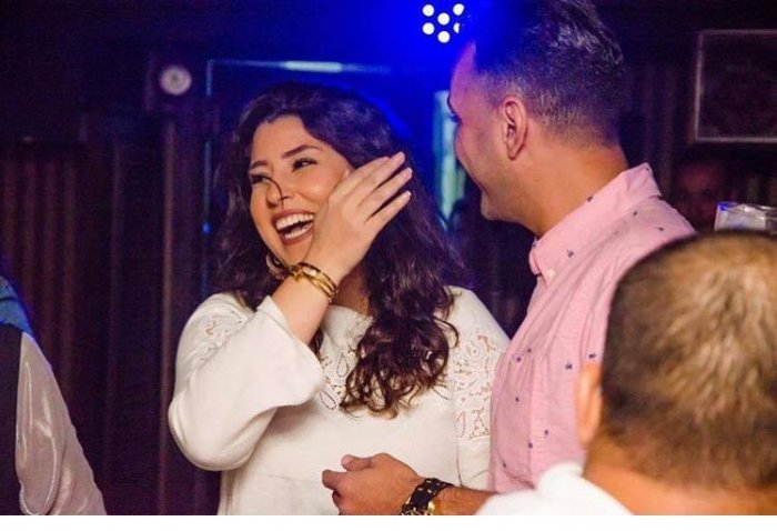 آيتن-عامر-مع-زوجها-في-اجواء-عيد-الميلاد