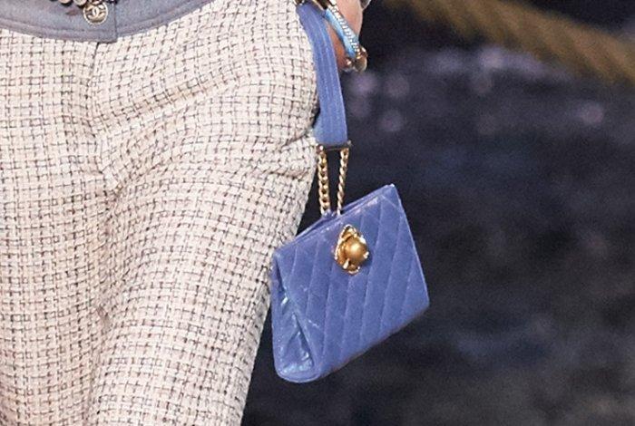حقيبة-شانيل-زرقاء