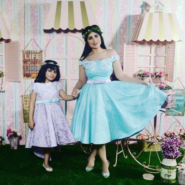 حليمة-بولند-مع-ابنتها-كاميليا