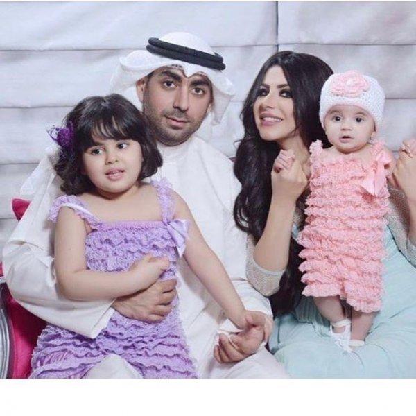 حليمة-بولند-مع-زوجها-الاول-وبناتها
