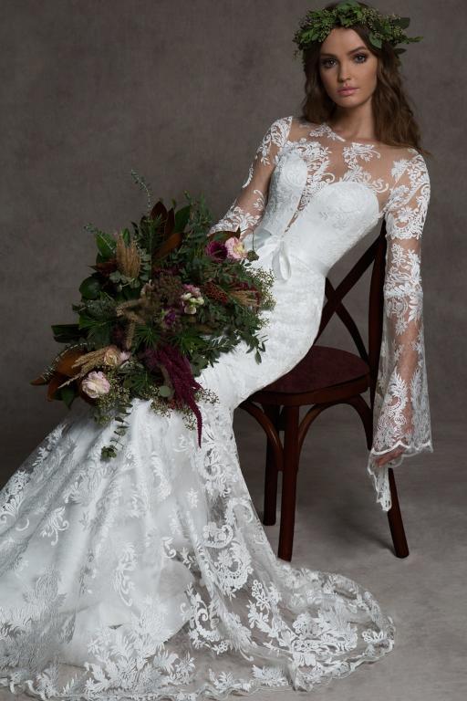 فساتين-زفاف-بالاكمام-الطويلة