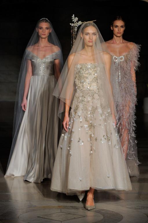 فساتين-زفاف-بالوان-متنوعة