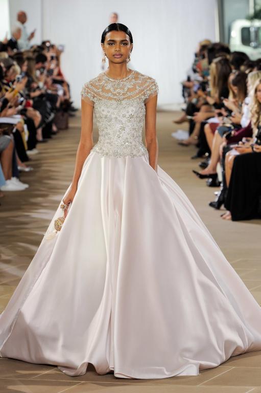 فستان-زفاف-باللون-الوردي
