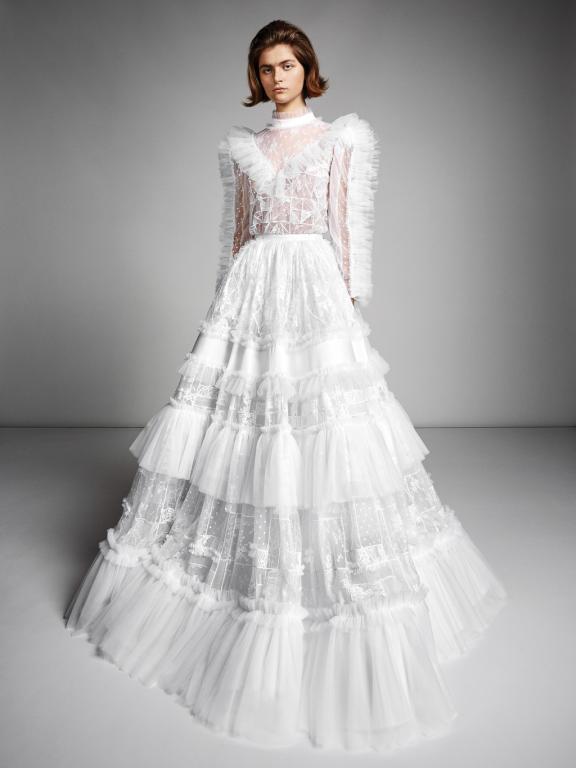 فستان-زفاف-بطبقات-الكشكش