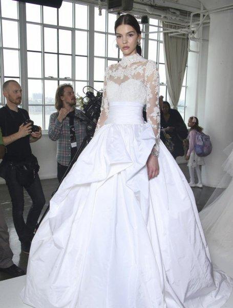 فستان-كم-دانتيل