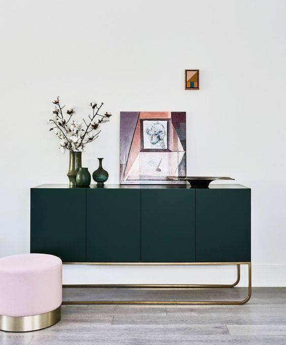 قطعة-ديكور-خضراء-مع-الاكسسوارات