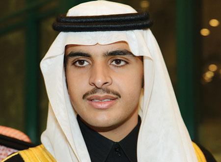 بالفيديو.. أمير سعودي ينقذ شابًا من الغرق