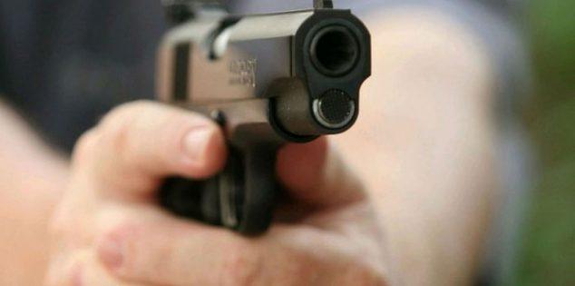 شاب يقتل شقيقه هربًا من عذاب زوجة أبيهما