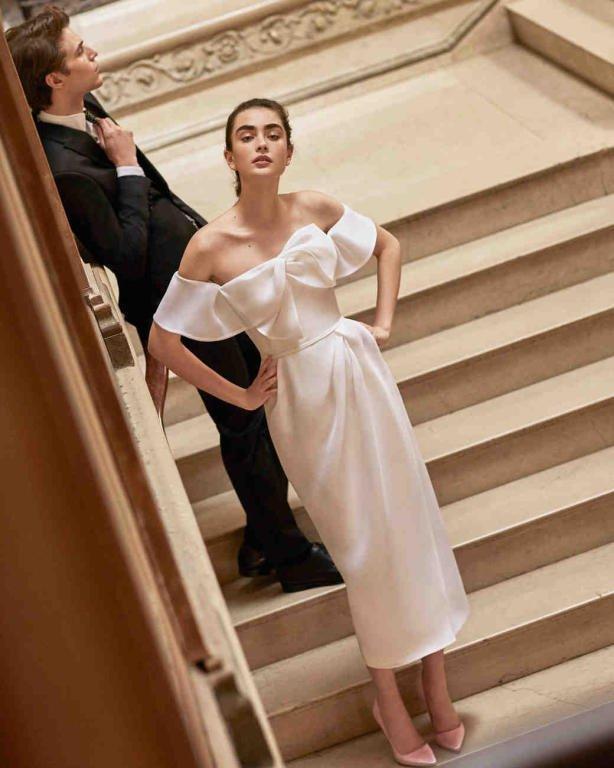فستان-زفاف-بسيط-بالفيونكة-من-كارولينا-هيريرا