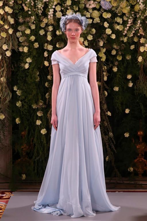 فستان-زفاف-من-جيني-باكهام-بظلال-الازرق