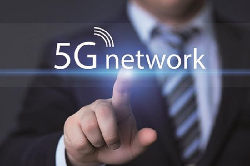 سامسونج تكشف عن موعد إطلاق أول هاتف من الجيل الخامس