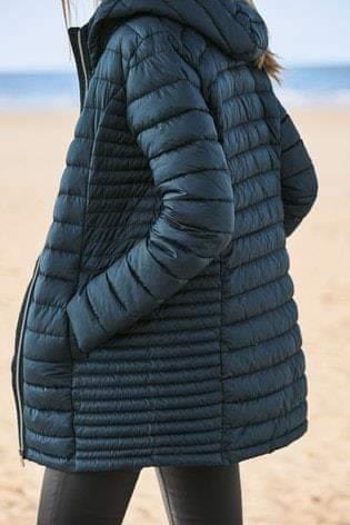 معطف جلد أسود