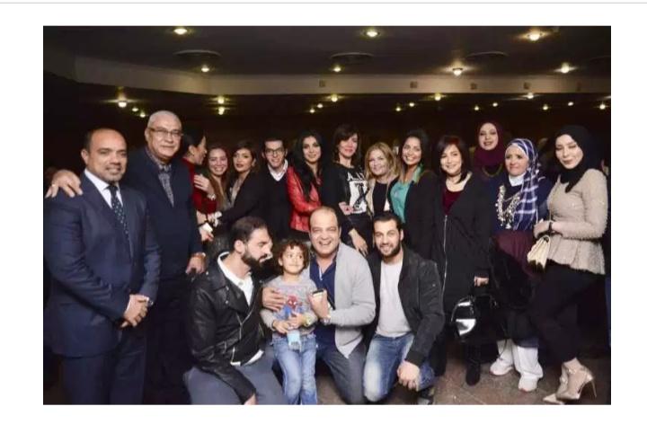 صور الفنانين في حفل عقد قران شقيقه دنيا المصري