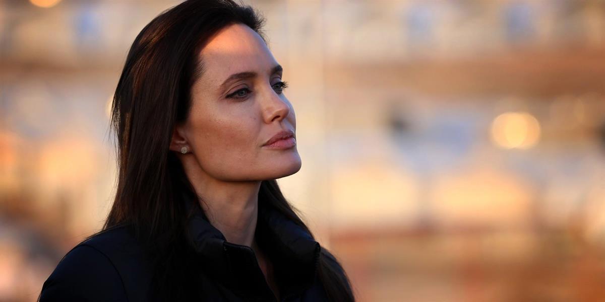 بالفيديو.. هل ستترشح إنجلينا جولي للرئاسة الأمريكية ؟!