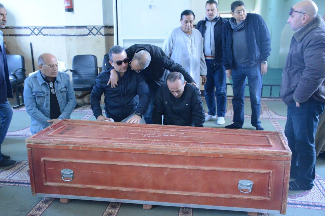 أحمد-سعيد-عبدالغني-في-صلاة-الجنازة